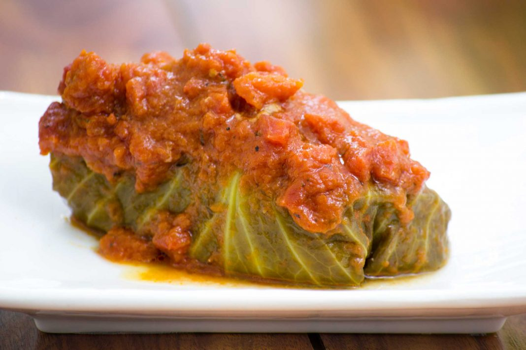 Golabki: Polish Stuffed Cabbage Recipe from domesticsoul.com