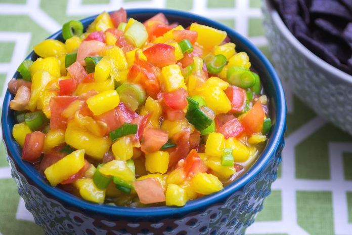 Simple Mango Salsa Recipe from domesticsoul.com