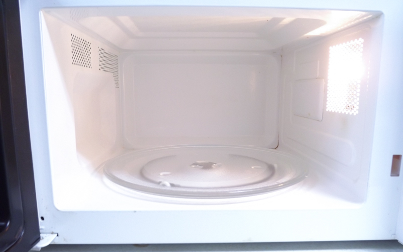 Almost No Effort, Non-Toxic Microwave Cleaning from domesticsoul.com