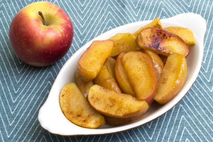 Recipe: Baked Apple Slices from domesticsoul.com