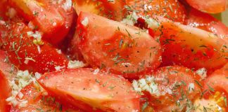 Roasted Tomatoes Recipe from domesticsoul.com