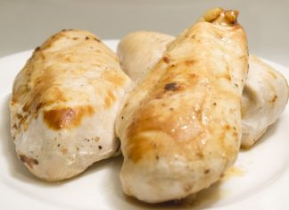 Garlic Lemon Chicken Breast Recipe from domesticsoul.com