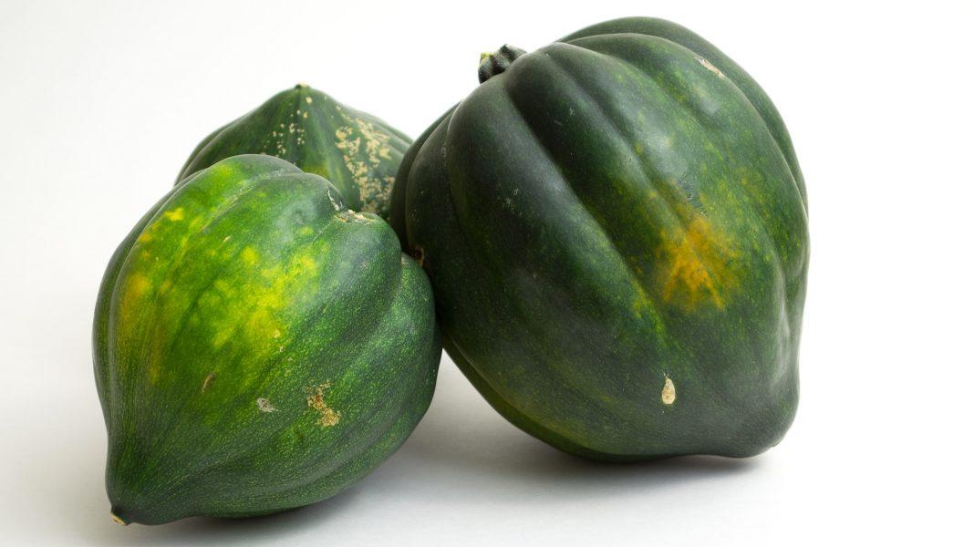 Roasted & Mashed Acorn Squash Recipe from domesticsoul.com