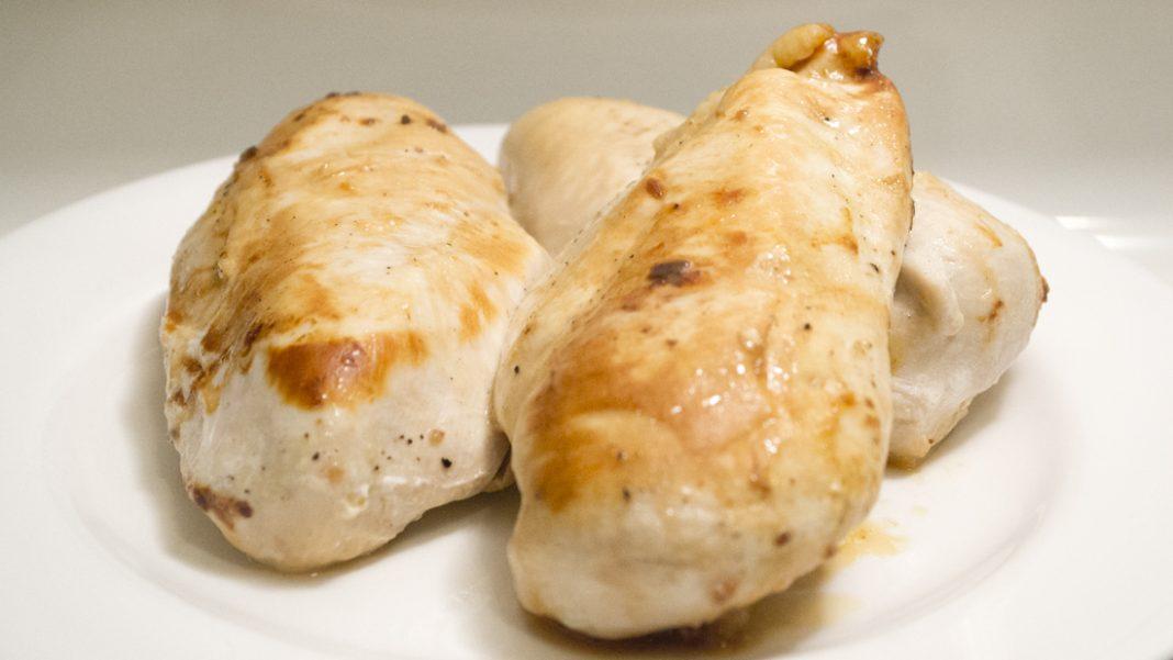 Garlic Lemon Chicken Breast Recipe from domesticsoul.com